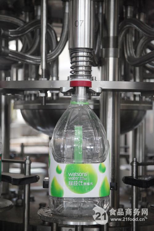 中瓶水的灌装机