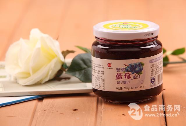蜜炼蓝莓罐头