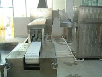 水果罐头杀菌设备专业厂家定做微波食品杀菌设备