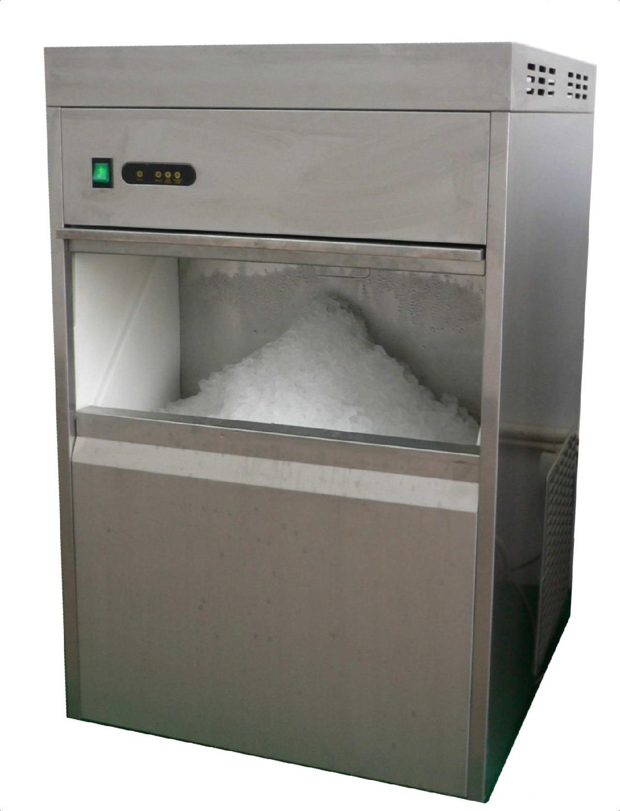 由于半方冰的融化速度比较快,所以半块冰广泛应用于咖啡厅还有麦当劳这些场所;三五好友聚在一起喝点红酒或者饮料,可以选择规格28*28*25(MM)的大方冰;除了大方冰还有一种适合高档会所用的圆冰。圆冰溶化速度慢,是红酒和洋酒的理想选择,冰块纯洁、薄明、硬度高,而且不会连冰;雪花冰被广泛应用于日本料理、酒店等场所;另外还有商超海鲜工作台上使用的鳞片冰、面包店使用的月形冰等。微电脑控制,进水、排水、菏泽制冰机报价,商用制冰机厂家,大型制冰机哪里卖制冰全自动化,无需专人操作,使用安全。冷凝系统和冷凝感温装置科学配