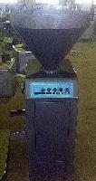 厂家专业生产销售各种型号灌肠机,真空,扭结,定量