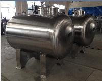 专业生产 不锈钢水箱储罐 储油罐 钢制储罐