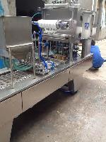 直线(圆)式灌装机,水粉颜料全自动灌装封口机