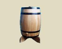 立式橡木酒桶