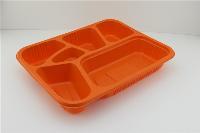 台州鑫泰一次性六格快餐盒,采用环保塑料PP材质+塑料盒盖