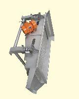 厂家直销长方形振动筛 不锈钢振动筛