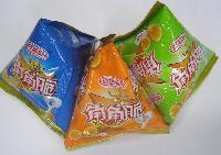 供应三角形袋包装机械 蚕豆包装机 五香豆颗粒状三角袋打包封口机