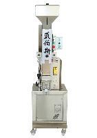 T.M.V型通用半自动打塞机