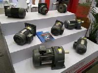 台湾豪锌齿轮减速机工厂直销