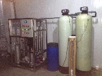 2吨/小时纯净水设备  2吨反渗透纯水设备