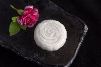 马来西亚原装进口猫山王冰皮榴莲月饼