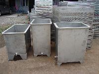 大小不同的不锈钢水槽