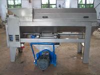 供应石榴酒加工设备--效果好石榴破碎榨汁机生产厂家